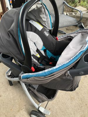 Graco click connect jogging stroller includes car seat base as well for Sale in Tyler, TX