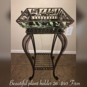 New beautiful metal plant holder $35 Firm puo/meet in my area for Sale in Laveen Village, AZ