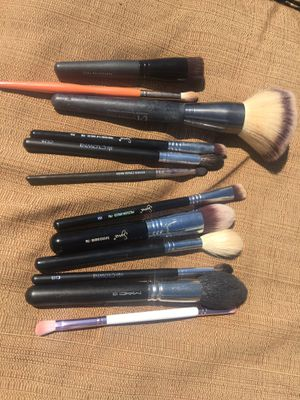 Used makeup brushes for Sale in Huntington Beach, CA