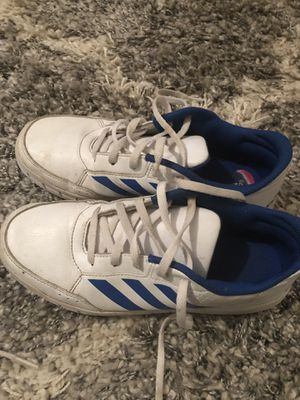 Adidas Size Size 4 for Sale in Sebring, FL