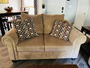 Living room set + TV room couch and recliner for Sale in Pembroke Pines, FL