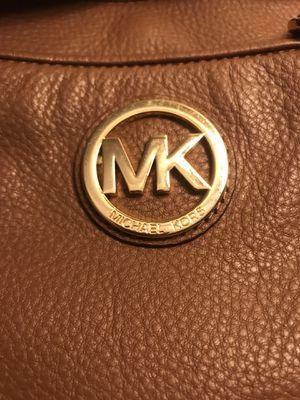 Micahel Kors Tan Crossbody purse for Sale in Torrance, CA