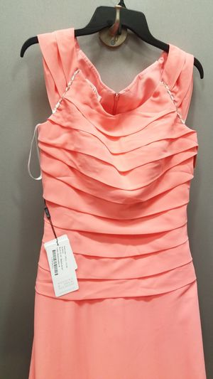 Jj's house of bride's. New formal dress 8 peach. Wedding, event for Sale in Wheaton, IL