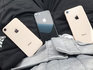 AT&T/Cricket iPhone 8 for Sale in Fuquay-Varina, NC