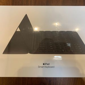 NEW Apple iPad Smart Keyboard for Sale in New York, NY