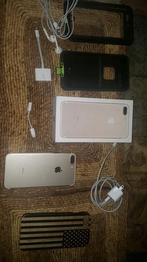 iPhone 7 Plus 128 gb unlocked for Sale in Powhatan, VA