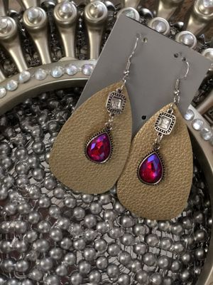 Leather earrings with diamonds for Sale in Kilgore, TX
