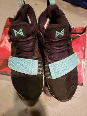 Nike PG men's shoes for Sale in Beckett Ridge, OH