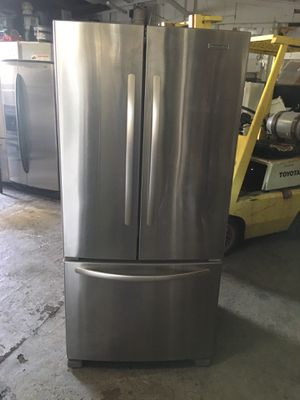 Refrigerator brand kitchen Aid water and ice maker inside everything is good working condition 90 days warranty delivery and installation for Sale in San Leandro, CA