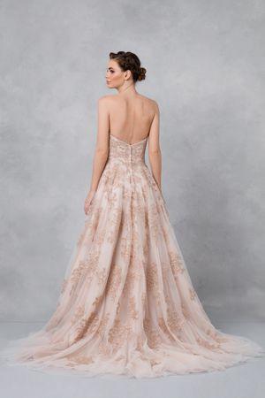 Oleg Cassini Wedding Gown for Sale in Philadelphia, PA