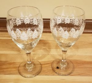 White Glitter Christmas Tree Wine Glass Set for Sale in Andover, MN