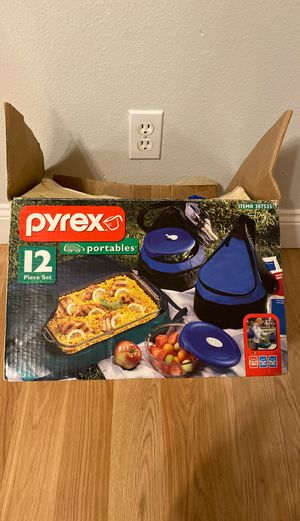 Pyrex portables 12 piece dish set for Sale in Damascus, OR