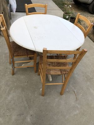 Kitchen table w/ chairs for Sale in Rio Oso, CA