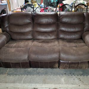 Electric Reclining Couch for Sale in Estacada, OR