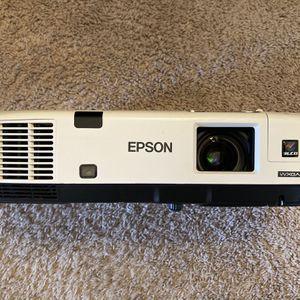 Epson PowerLite 1925W Wireless 4000 Lumens HDMI 1080p Multimedia 3LCD Movie Projector for Sale in Flint, MI