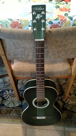 Art & Lutherie Canada guitar and case for Sale in Littleton, CO