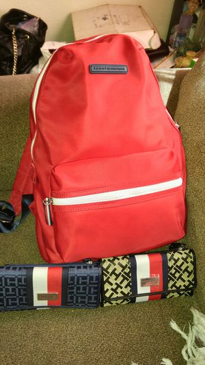 Tommy Hilfiger backpack & wallet for Sale in Tracy, CA