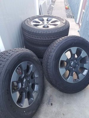 Jeep Wrangler JL Rubicon wheels and tires for Sale in Upland, CA