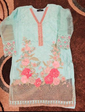 Pakistani like new 3 piece party dress size large use only 2 hours for Sale in Richmond, CA
