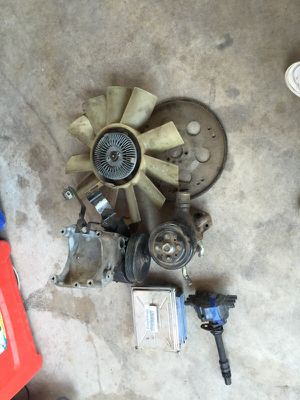 Chevy truck parts 2002 v6 4.3 for Sale in Phoenix, AZ