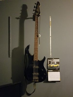 Peavey Bass Guitar for Sale in El Cajon, CA