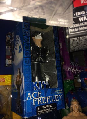 Kiss ace Frehley Statuette new in package $20 for Sale in Bartlett, IL