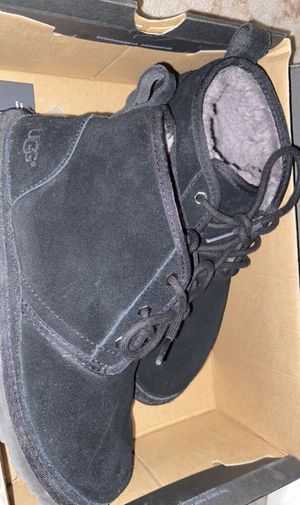Used Men Uggs Size 9 for Sale in Somerville, MA