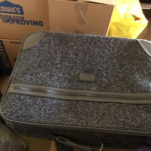 Suitcase for Sale in Portland, OR