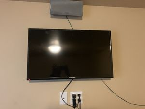 Barely used 32 inch Element flatscreen tv. for Sale in Springville, UT