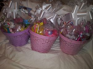 Hello kitty Baskets for Sale in Stroudsburg, PA