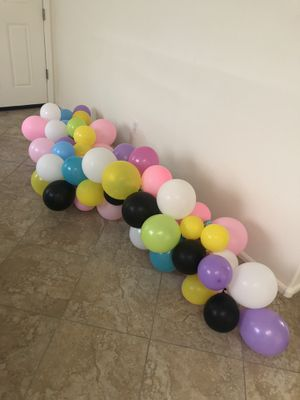 Free balloon garland for Sale in Gold Canyon, AZ