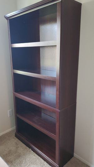 Bookcase 5 shelves for Sale in Woodinville, WA