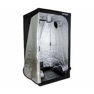 Hydro farm grow tent with 6 bulb t5 setup for Sale in Penndel, PA
