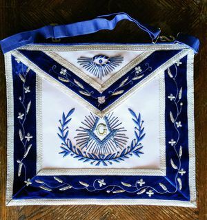 master mason apron w/ embroidered border for Sale in Phoenix, AZ