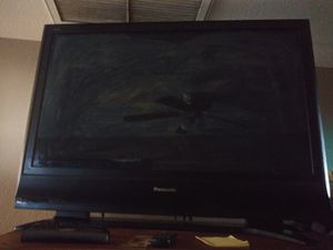 43 inch Panasonic tv with remote for Sale in Tempe, AZ