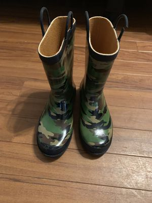 Rain boots - kids youth size 4 for Sale in Plano, TX