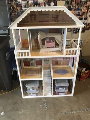 Large doll house and furniture for Sale in Enumclaw, WA