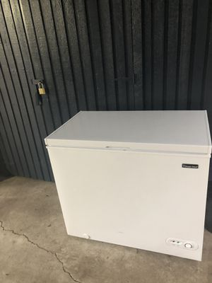 Excellent condition freezer chest for Sale in Issaquah, WA