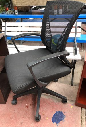Office chair with missing wheel for Sale in Bell Gardens, CA