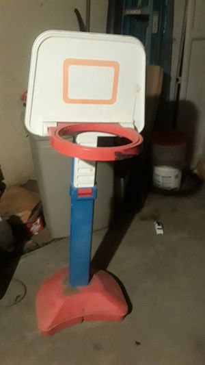 Adjustable basketball hoop for Sale in Fresno, CA