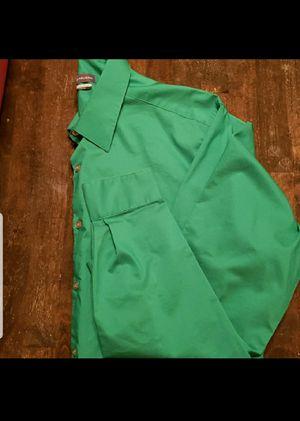 Van heusen mens button down shirt for Sale in Salem, AL
