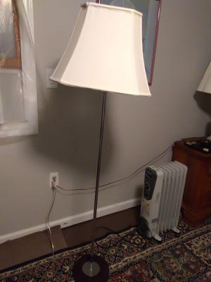 Lighting floor lamp for Sale in Woodbridge Township, NJ