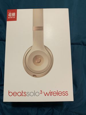 Matte gold beats solo 3 wireless for Sale in Florissant, MO