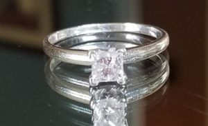 Stunning 14K white gold .75CT genuine princess cut diamond ring size 8 w/ certificate of authenticity for Sale in Lake Stevens, WA