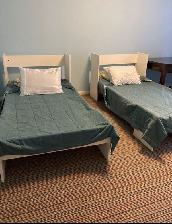 Bunk beds set with free mattresses