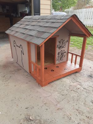 Dog houses for large dogs for Sale in Spartanburg, SC