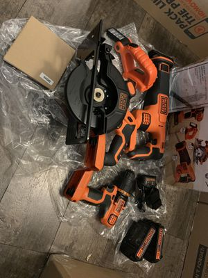 Black & Decker 4-Tool Combo Kit (Drill/Driver, Circular Saw, Reciprocating Saw, LED Light) for Sale in Fayetteville, AR