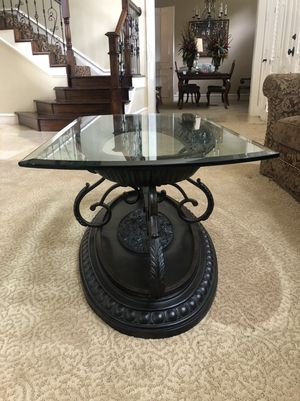 Transitional glass top coffee table and end table for Sale in Plano, TX