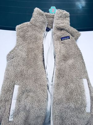 WOMEN'S PATAGONIA FAUX FUR VEST (AUTHENTIC, BARELY WORN) for Sale in Boston, MA