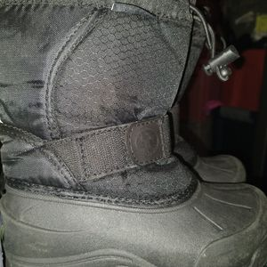 SIZE 12 NORTHSIDE SNOW BOOTS for Sale in North Tustin, CA
